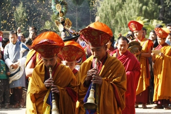 Buddhist-monks.jpg